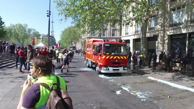 fire truck goes around the republic - french language stock videos & royalty-free footage
