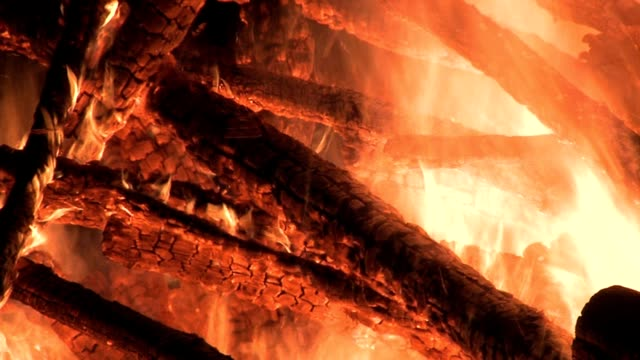 fire with embers - lagerfeuer stock videos & royalty-free footage