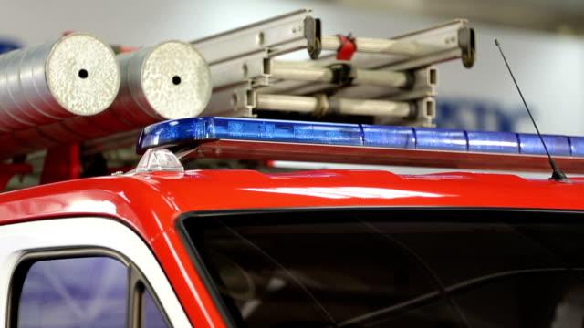 vidéos et rushes de lumières de pompier - pompier