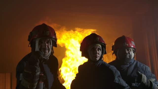 消防 士。 - 緊急用具点の映像素材/bロール