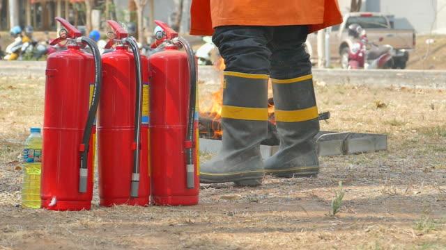 消防士  - 緊急用具点の映像素材/bロール