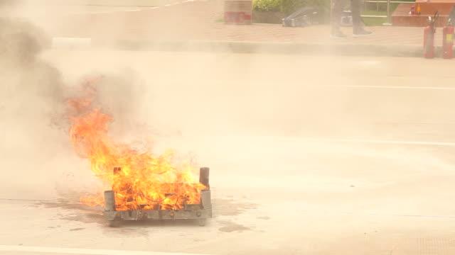 vídeos y material grabado en eventos de stock de bombero  - parque de bomberos
