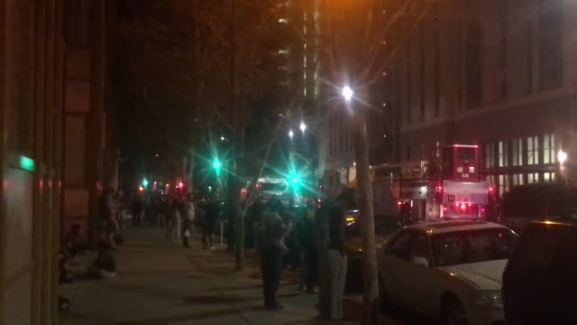 firefighters responded to the scene at 27 north 6th street in downtown san jose that forced the evacuation of around 200 people. witnesses said that... - 30 seconds or greater stock-videos und b-roll-filmmaterial