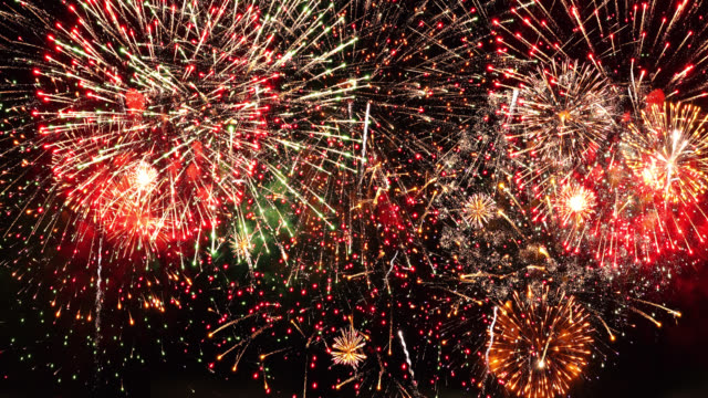 vídeos de stock e filmes b-roll de firework 4k audio available - acabar