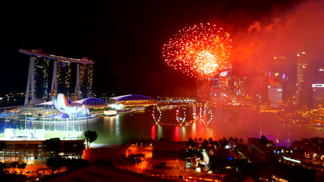 Feuerwerk in Singapur Stadt