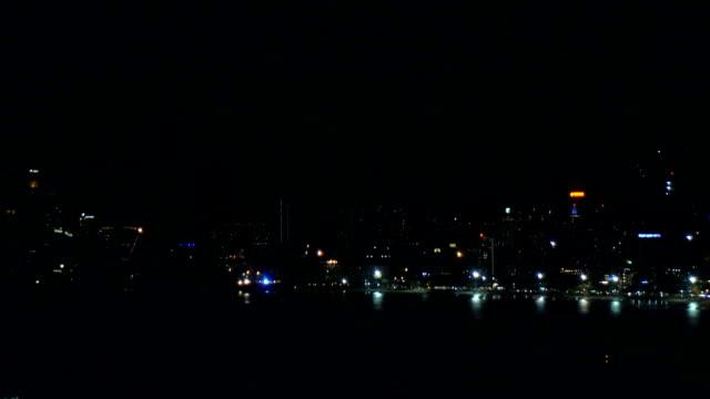 パタヤ ビーチに花火。 - firework display点の映像素材/bロール
