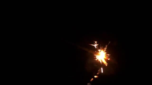 vidéos et rushes de feu d'artifice - explosif