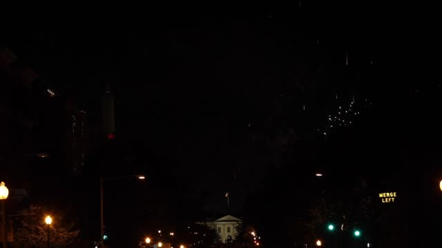 vidéos et rushes de fireworks are seen above the washington monument and the white house at the conclusion of the final day of the republican national convention on... - nomination