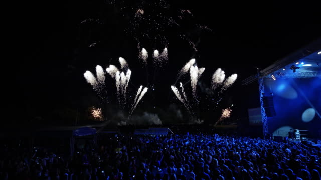 cs fireworks at an open-air concert - spectator stock videos & royalty-free footage