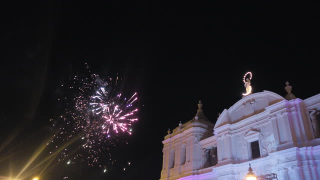 fireworks at leon - nicaragua. 2016, year of national elections of nicaragua, anniversary of the poet ruben dario, the arrival of zika virus, drought problems and the nicaragua canal project. - nicaragua stock videos and b-roll footage