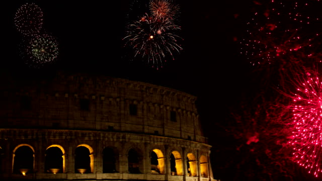 4k: fireworks at the colosseum in rome, italy - colosseum rome stock videos and b-roll footage