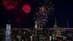 4K: Fireworks over New York / Manhattan City Skyline