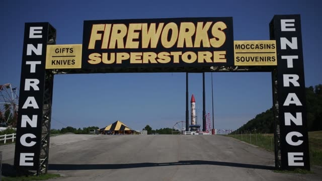 fireworks store stands on friday, july 1, 2016 in jellico, pioneer, and lenoir city, tennessee shots: full shot of exterior of fireworks store, shot... - chain store stock videos & royalty-free footage