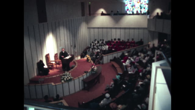 first baptist church – reverend kelly miller smith junior gives sermon to african-american congregation - バプテスト点の映像素材/bロール
