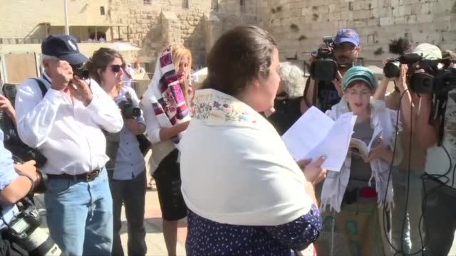 first ever womens priestly blessing at the western wall in old jerusalem organised by the women of the wall movement started on sunday as jews... - passover stock videos and b-roll footage
