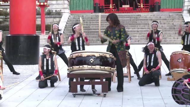 us first lady michelle obama has a go with traditional japanese drums known as taiko at a kyoto shinto shrine - shinto stock videos & royalty-free footage