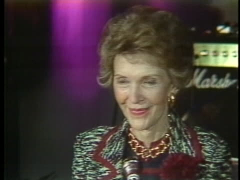 stockvideo's en b-roll-footage met us first lady nancy reagan thanks the audience after a speech in stockholm - (war or terrorism or election or government or illness or news event or speech or politics or politician or conflict or military or extreme weather or business or economy) and not usa