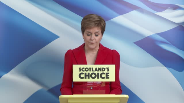 """first minister of scotland nicola sturgeon saying """"there is no democratic justification"""" for boris johnson to block a second scottish independence... - 出来事の発生点の映像素材/bロール"""