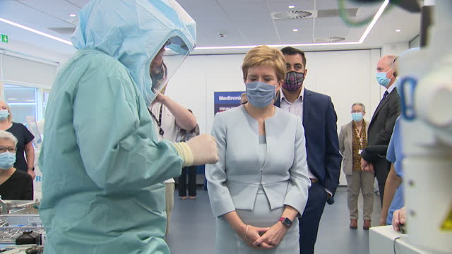 """first minister of scotland nicola sturgeon visiting a laboratory - """"bbc news"""" stock videos & royalty-free footage"""