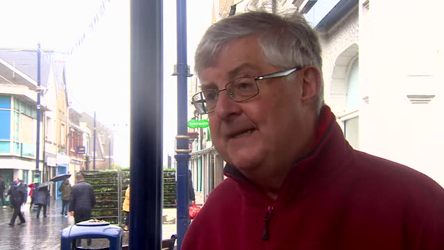 """first minister of wales mark drakeford saying the reason for labour's success in wales as opposed to england is that welsh voters """"can see the record... - typisch walisisch stock-videos und b-roll-filmmaterial"""