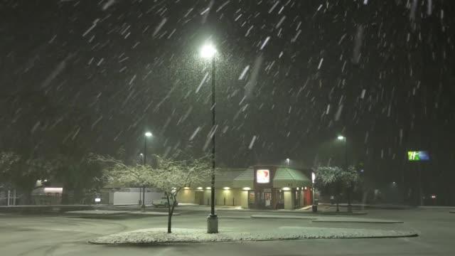 first seasonal snowfall in los angeles country, on november 8, 2020. - nummer 8 bildbanksvideor och videomaterial från bakom kulisserna