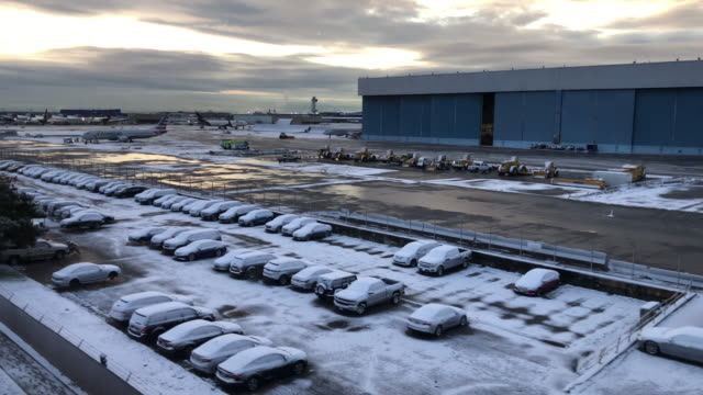 first snow for the start of winter 2019 in and around new york and jfk airport. - kennedy airport stock videos & royalty-free footage