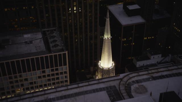 vidéos et rushes de ws pov first united methodist church of chicago - protestantisme