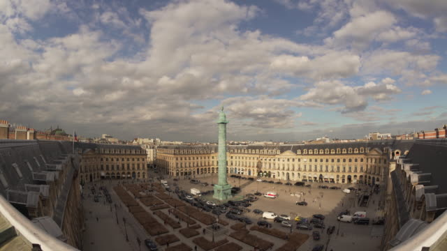 vídeos de stock, filmes e b-roll de fish eye view on place vendome - grande angular