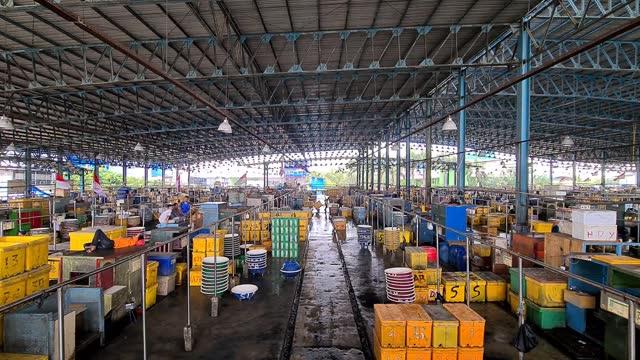 IDN: Fish Market In Indonesia