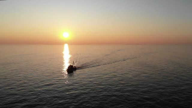 漁師 - イスタンブール 金角湾点の映像素材/bロール
