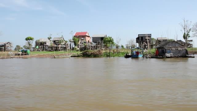 ws pov fishermen living and working on river mekong / phnom, penh vietnam - mekong delta stock videos & royalty-free footage