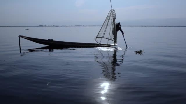 fishermen on inle lake, myanmar - myanmar stock videos & royalty-free footage