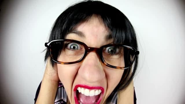 Fisheye Cora leraar schreeuwen