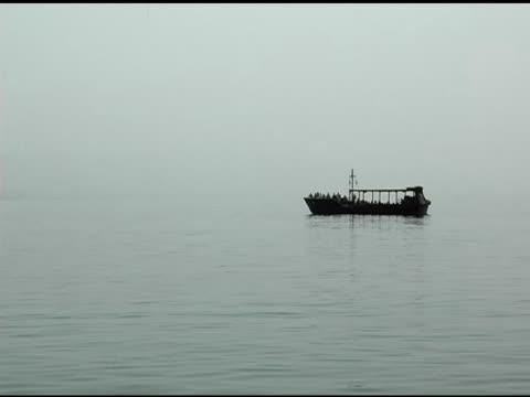 釣り船であるガラリヤにイズラエル - 聖地パレスチナ点の映像素材/bロール