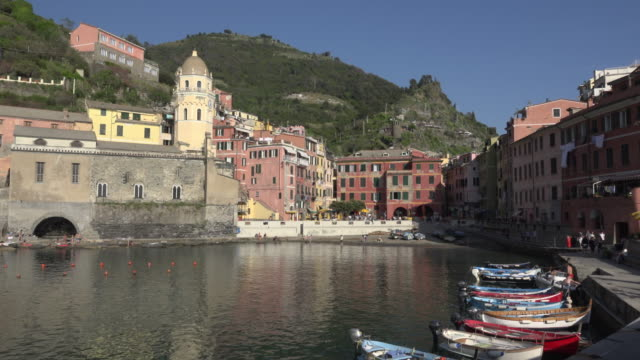 Fishing boats in port of village Vernazza