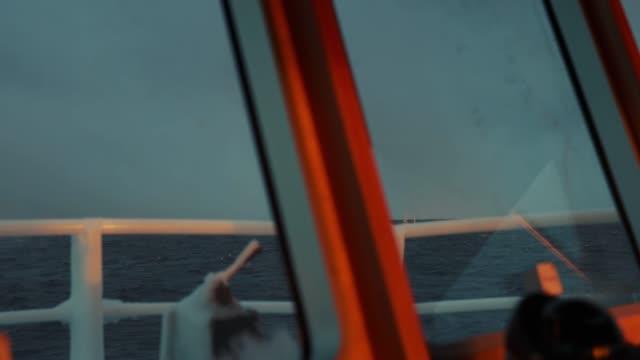 vídeos de stock e filmes b-roll de fishing skrei cod in the arctic sea - indústria pesqueira