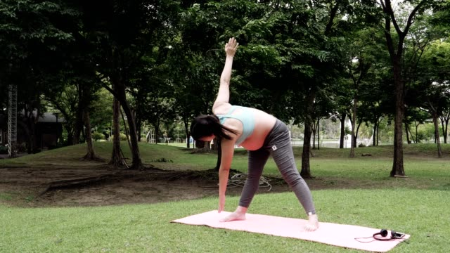 Fit Pregnancy : Yoga