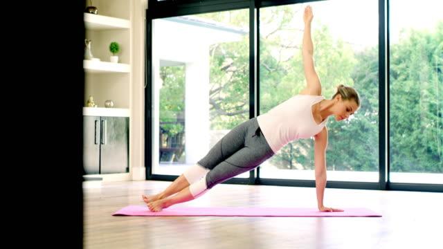 vídeos y material grabado en eventos de stock de el fitness solo cuesta una mente dispuesta - autodisciplina