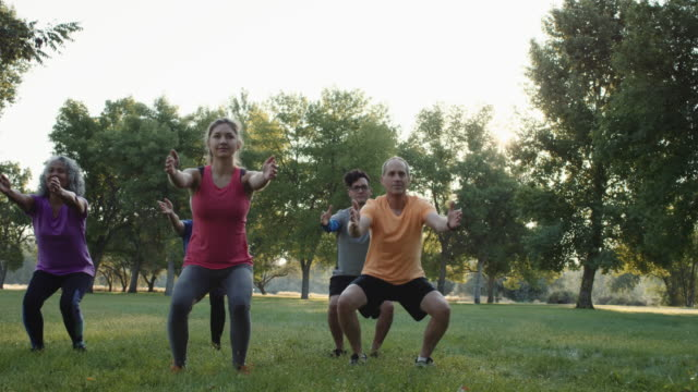 4K SLO MO: Fitness Outdoors