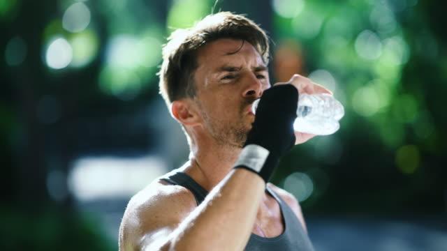 stockvideo's en b-roll-footage met fitness - mooie mensen