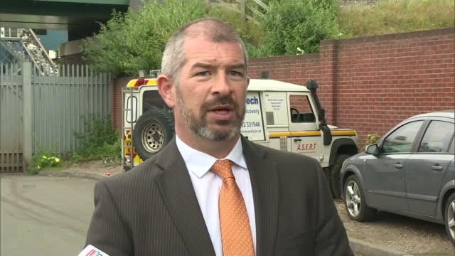 five men killed when wall collapses at birmingham recycling depot detective superintendent mark payne speaking to press sot - west midlands stock-videos und b-roll-filmmaterial
