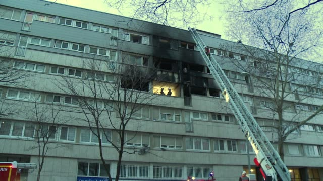 stockvideo's en b-roll-footage met five people including three children were killed and 18 others slightly hurt in a pre dawn fire wednesday at an apartment building in the suburbs of... - dawn french