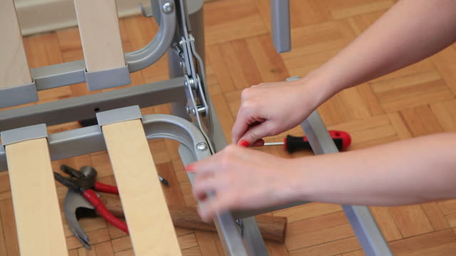 vídeos y material grabado en eventos de stock de fijación - esmalte de uñas rojo