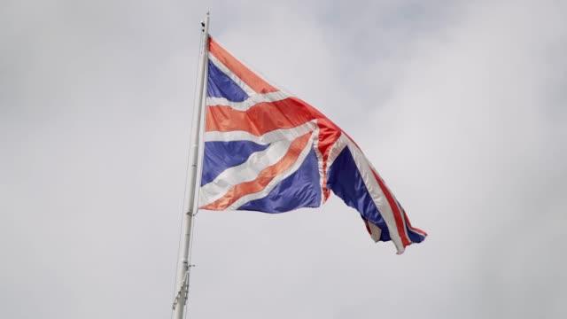 uk flagg - 4k - brittiska flaggan bildbanksvideor och videomaterial från bakom kulisserna