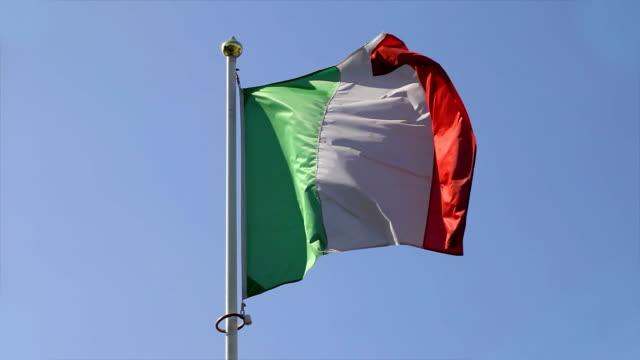 イタリア国旗 - イタリア国旗点の映像素材/bロール