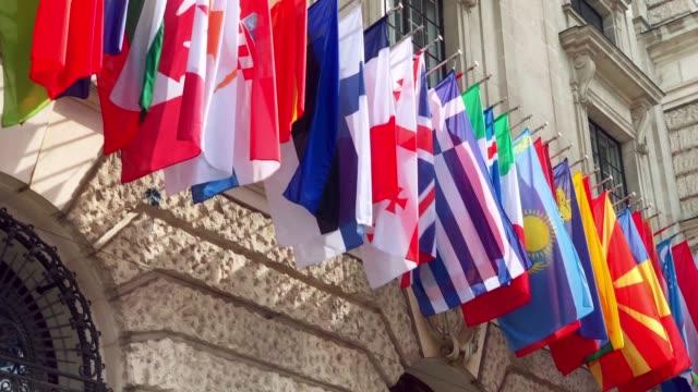 vidéos et rushes de drapeaux du monde - drapeau national