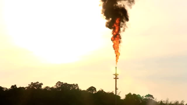 HD: Flame from Oil Refinery plant