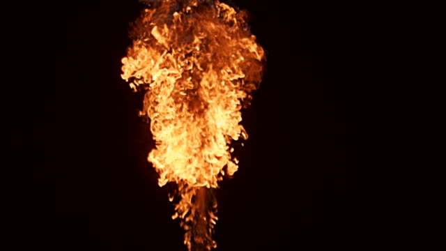 vídeos de stock e filmes b-roll de flame slow motion 4k - flame