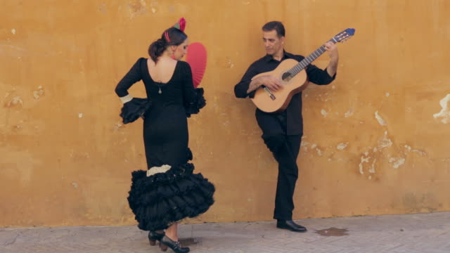 vídeos de stock e filmes b-roll de flamenco dancer. spain. - dança tradicional