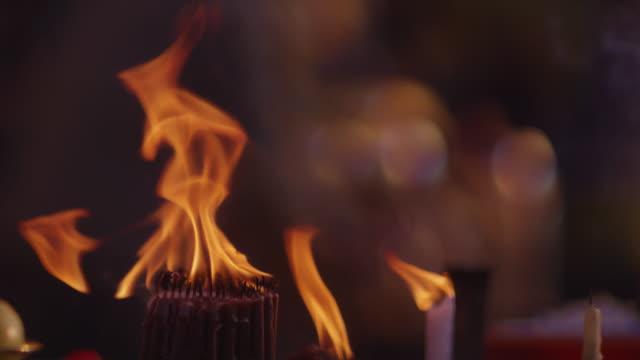 Flames roar at Myanmar buddhist temple